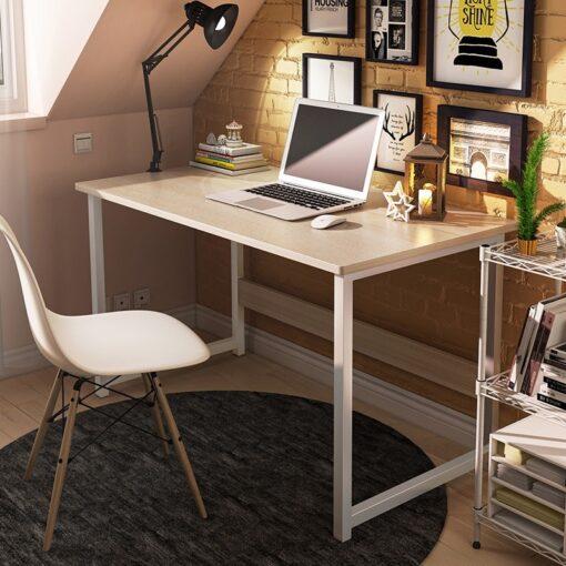 Könnyen összeszerelhető íróasztal